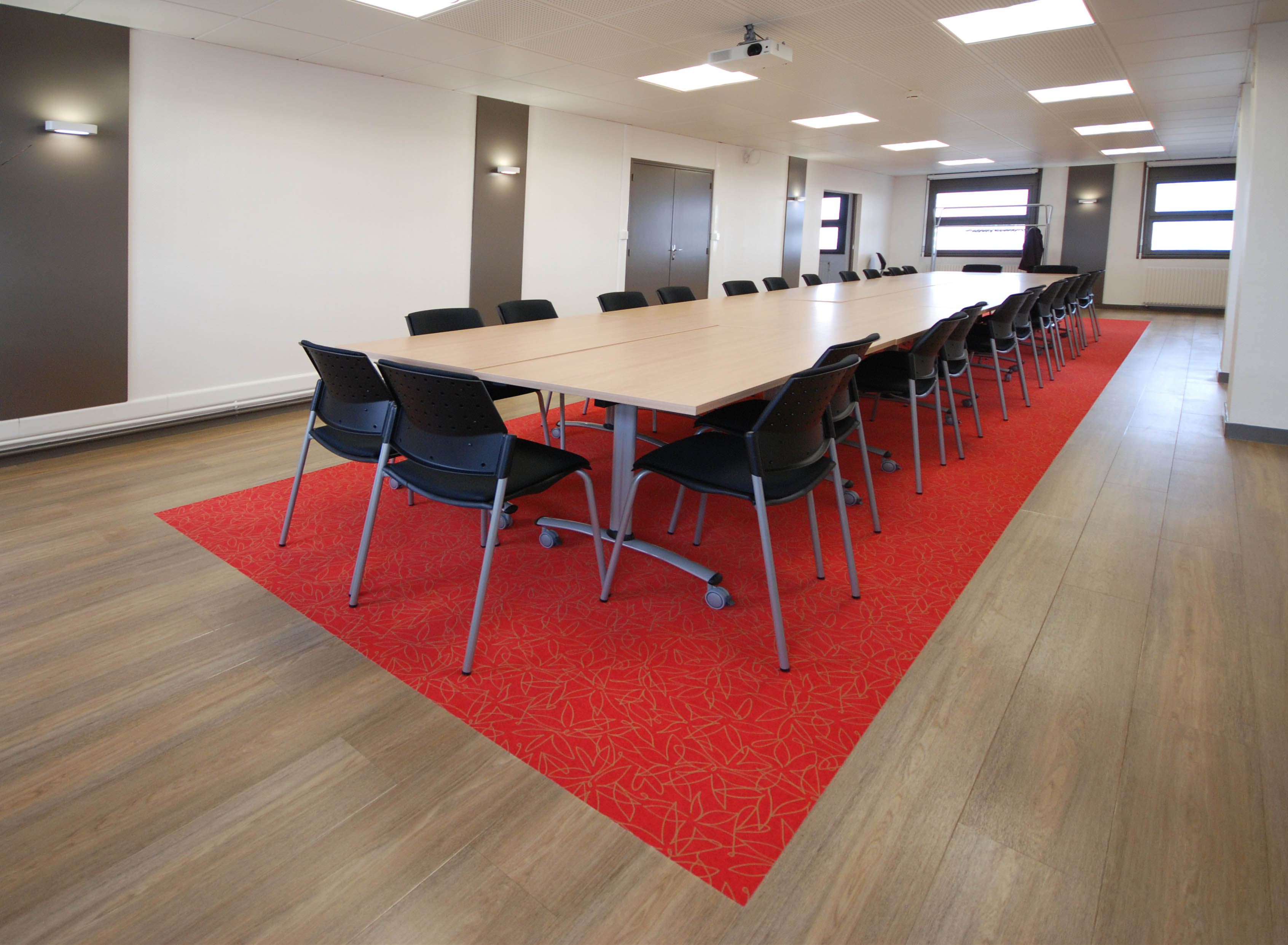 Harmonie habitat location salles de r union for Reglementation capacite salle de reunion